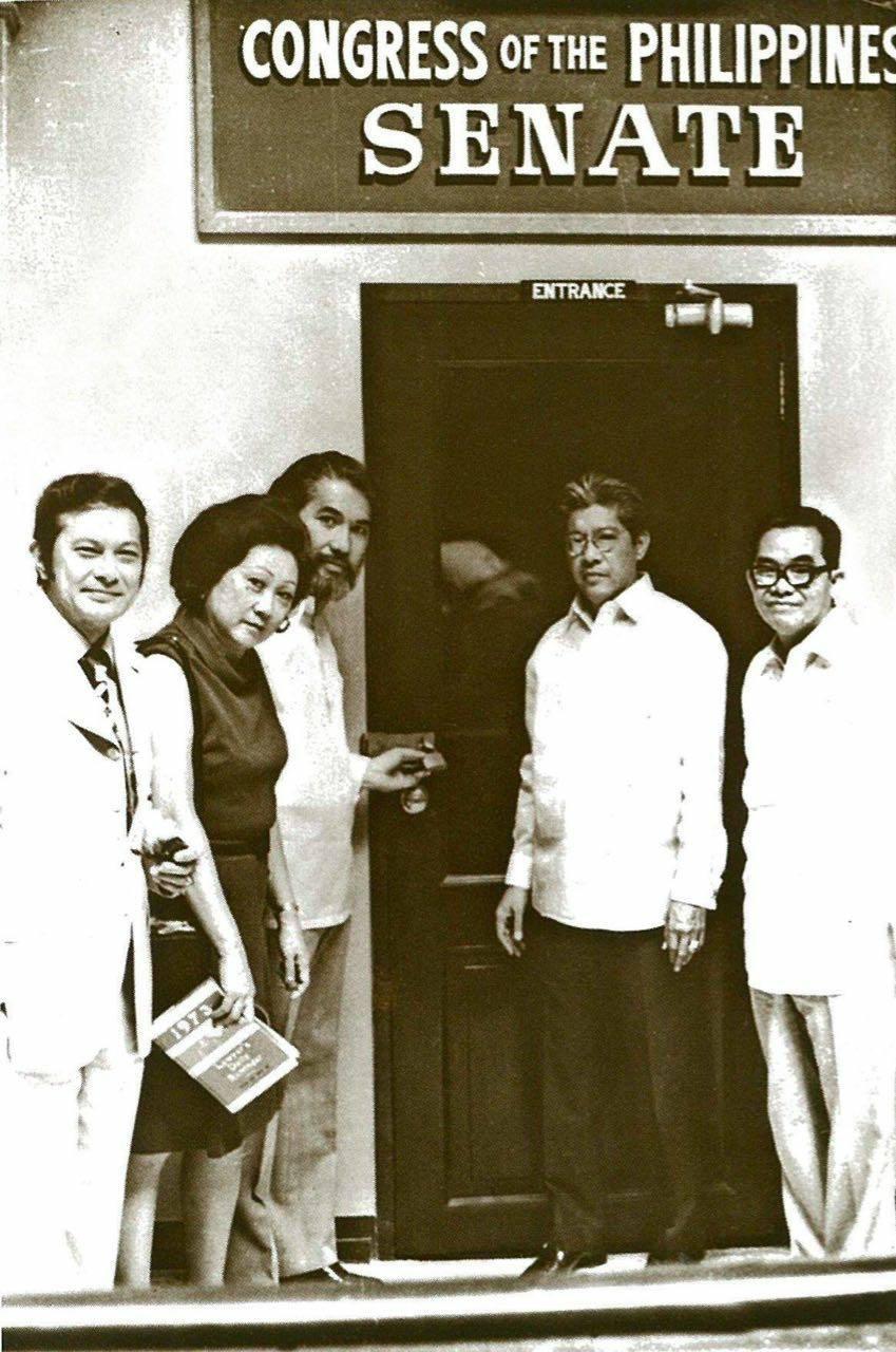 Locked Out of Senate as ordered by Dictator Marcos - Senators Doy Laurel, Eva Estrada-Kalaw, Ramon Mitra, Gerry Roxas and Jovito Salonga